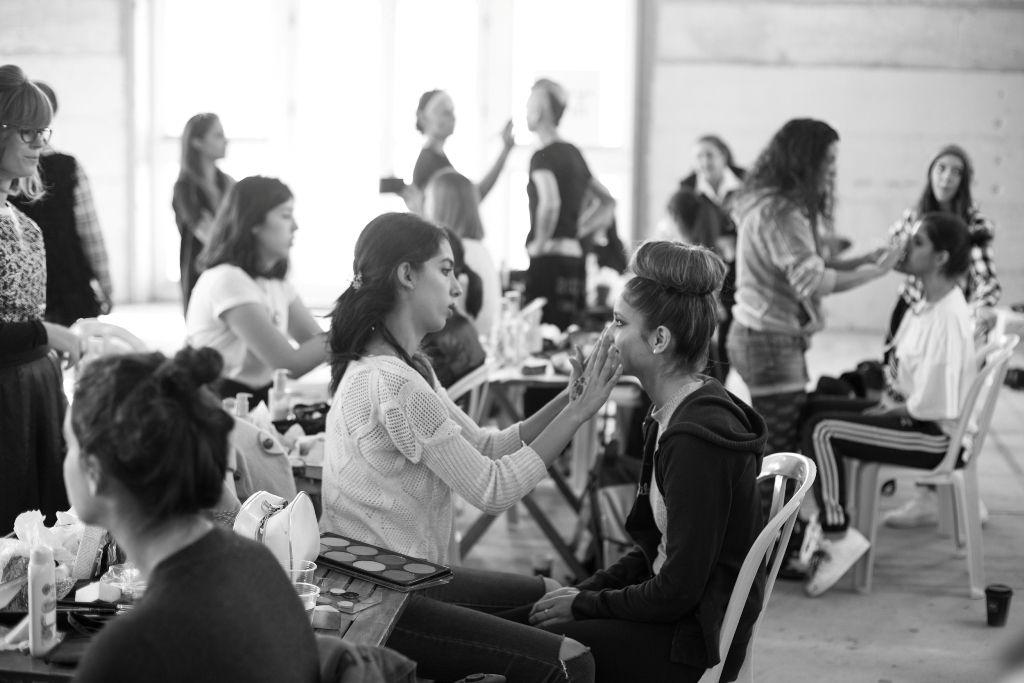 קורס עיצוב אופנה ובניית מיתוג אישי במכללת קונספט | תצוגת אופנה- בלאק פריידי