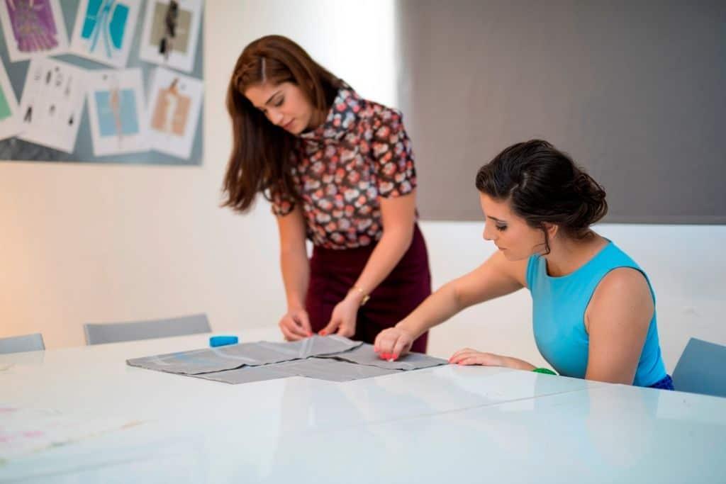 קורס עיצוב אופנה ובניית מיתוג אישי במכללת קונספט